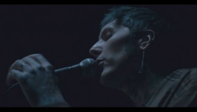 Bring Me The Horizon - mother tongue (Official Video)